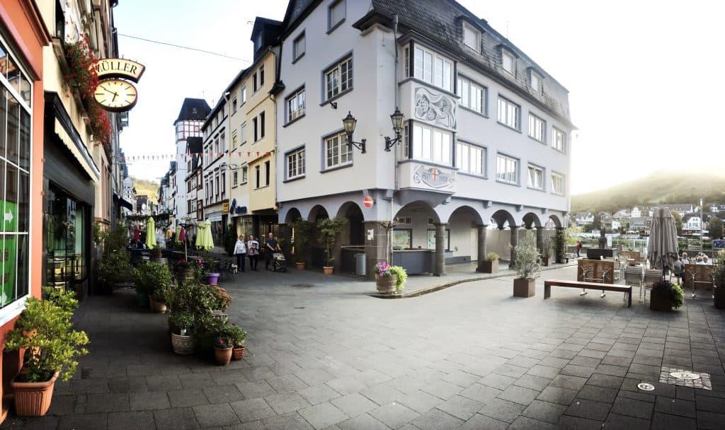 Der zentrale Platz in der Zeller Fußgängerzone