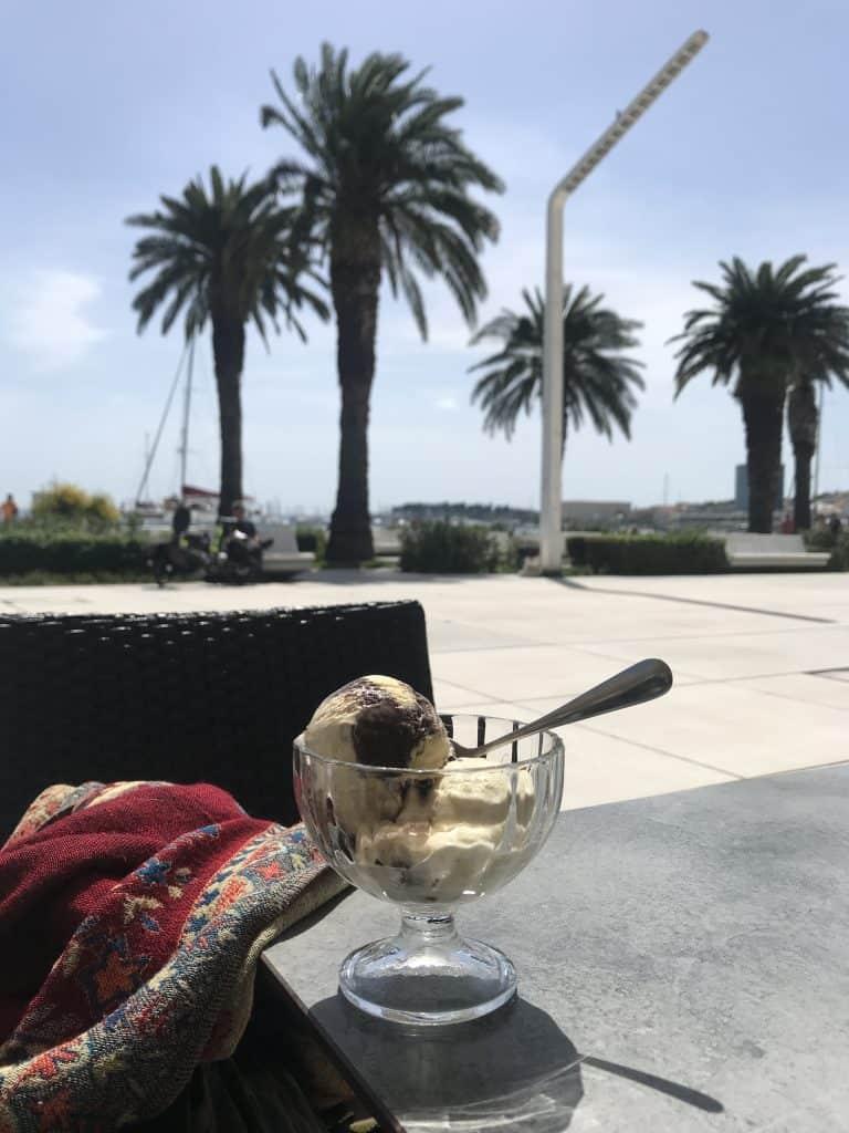 Und auf der Riva-Promenade gab es Jaffa-Keks-Eis