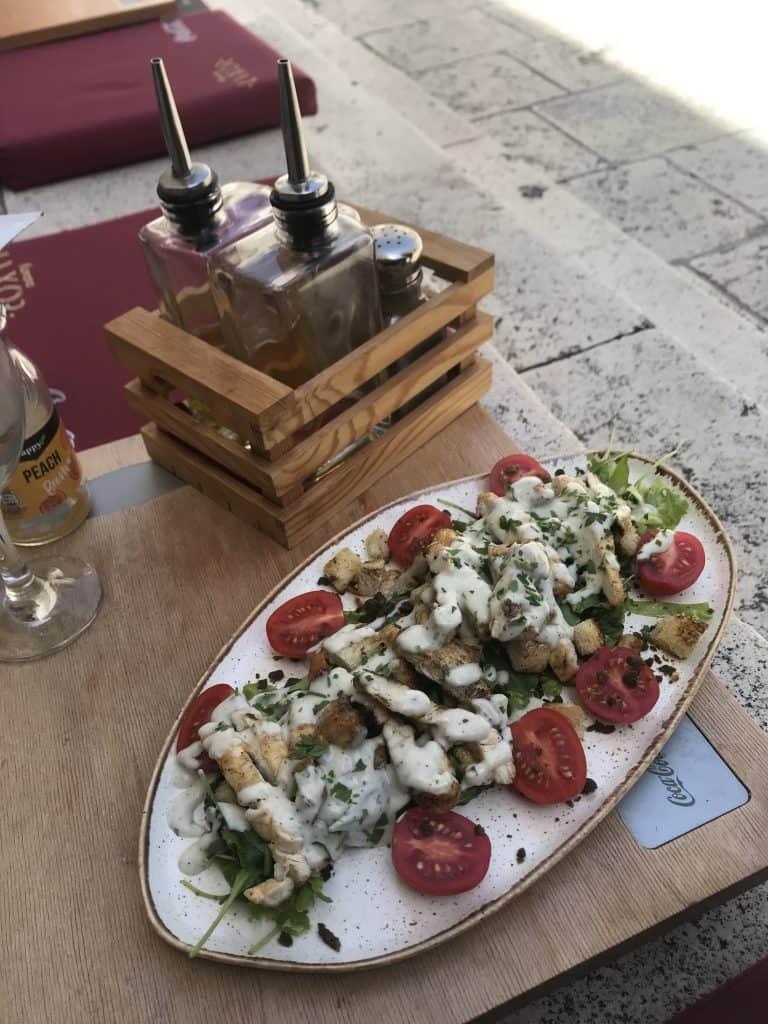 Das Restaurant Luxor servierte mir einen Ceasars Salad