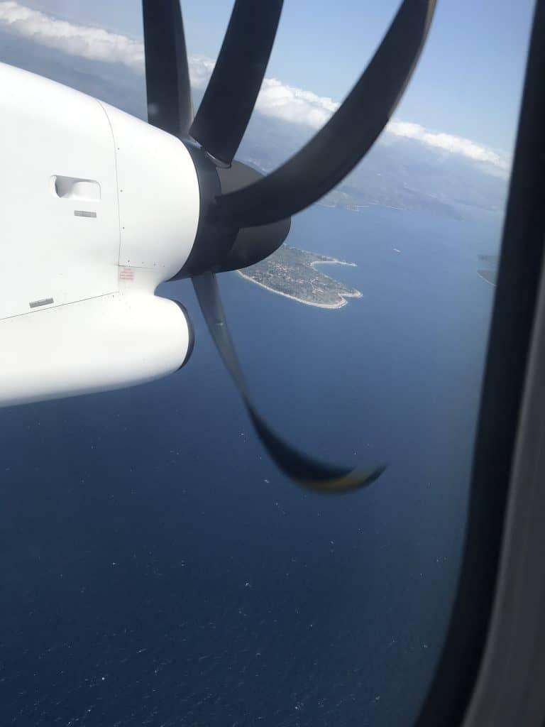 Der Landeanflug auf Split führt immer über die vorgelagerten Inseln